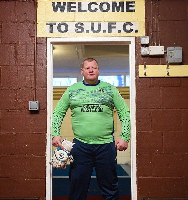 Wayne Shaw con la maglia del Sutton - foto by Odds bible - twitter