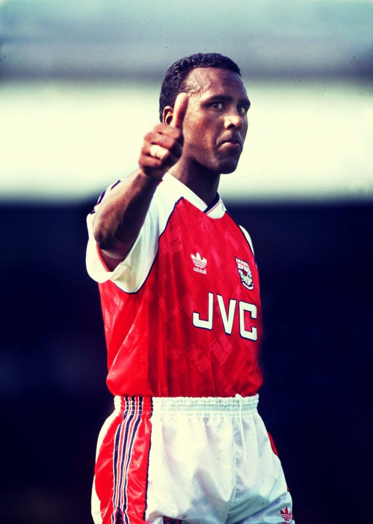 rocky rocastle con la maglia dell'Arsenal - Foto by Arsenal - Twitter