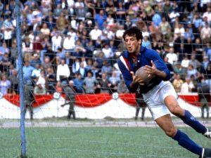 Sylvester Stallone in fuga per la vittoria - Photo by Oggi.it