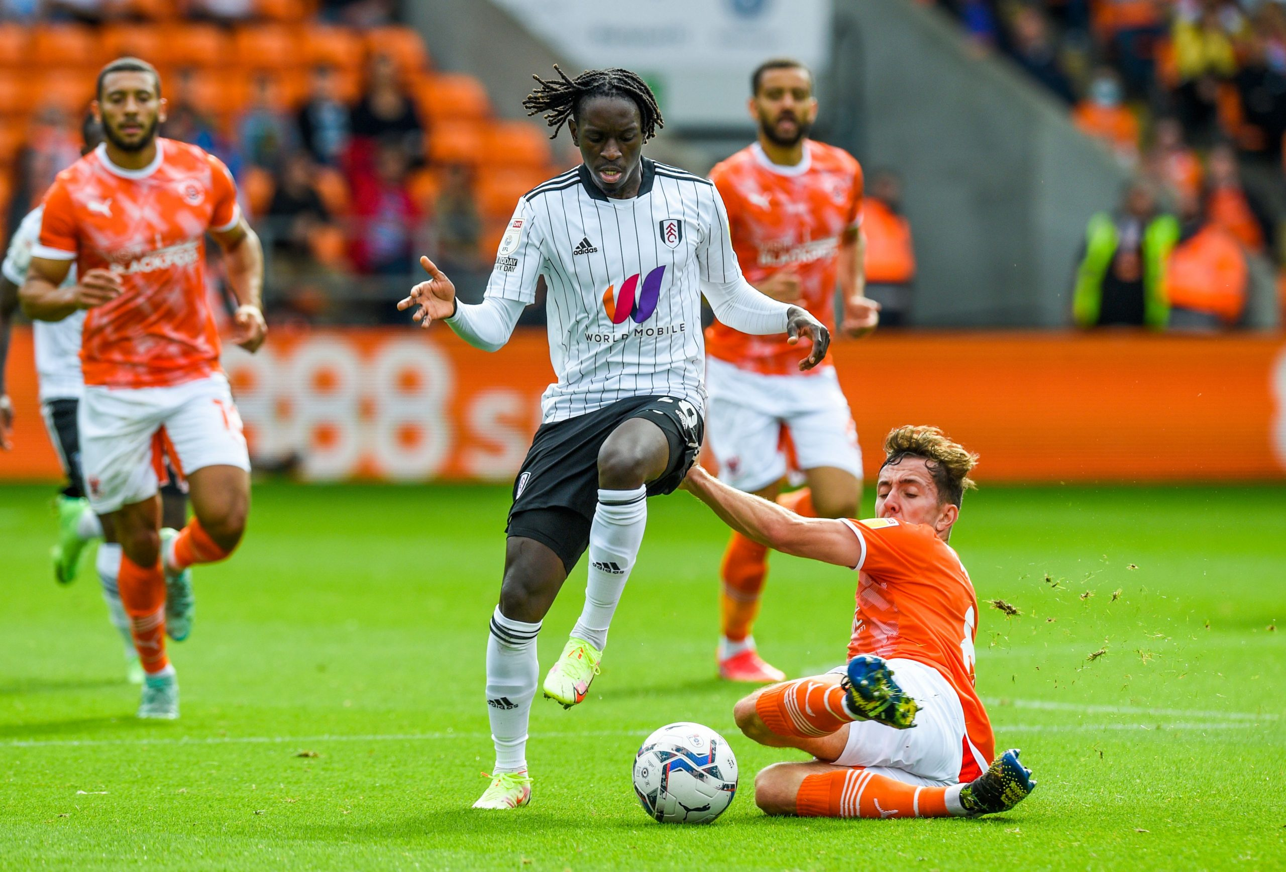 Azione di gioco Fulham - Blackpool (11 settembre 2021) - Photo by official account Twitter Fulham Football Club